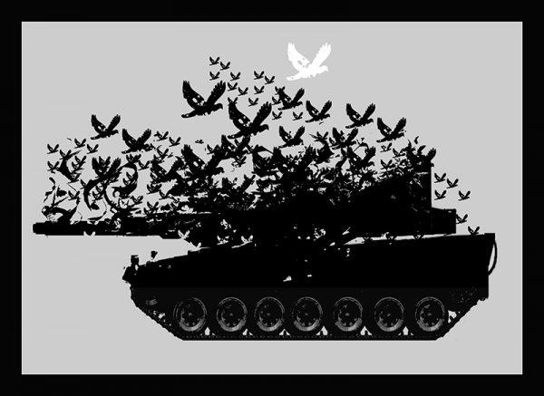 Auf dem DENKSTAHL Kunstwerk namens Remains Of Peace 1 fliegen massenhaft schwarze Tauben aus einem Panzer heraus, während sich der obere Teil des Panzers aufzulösen beginnt. Am höchsten fliegt die einzige weiße Taube, die Friedenstaube. Das im Street Art Stil gehaltene Bild hat einen grauen Hintergrund.